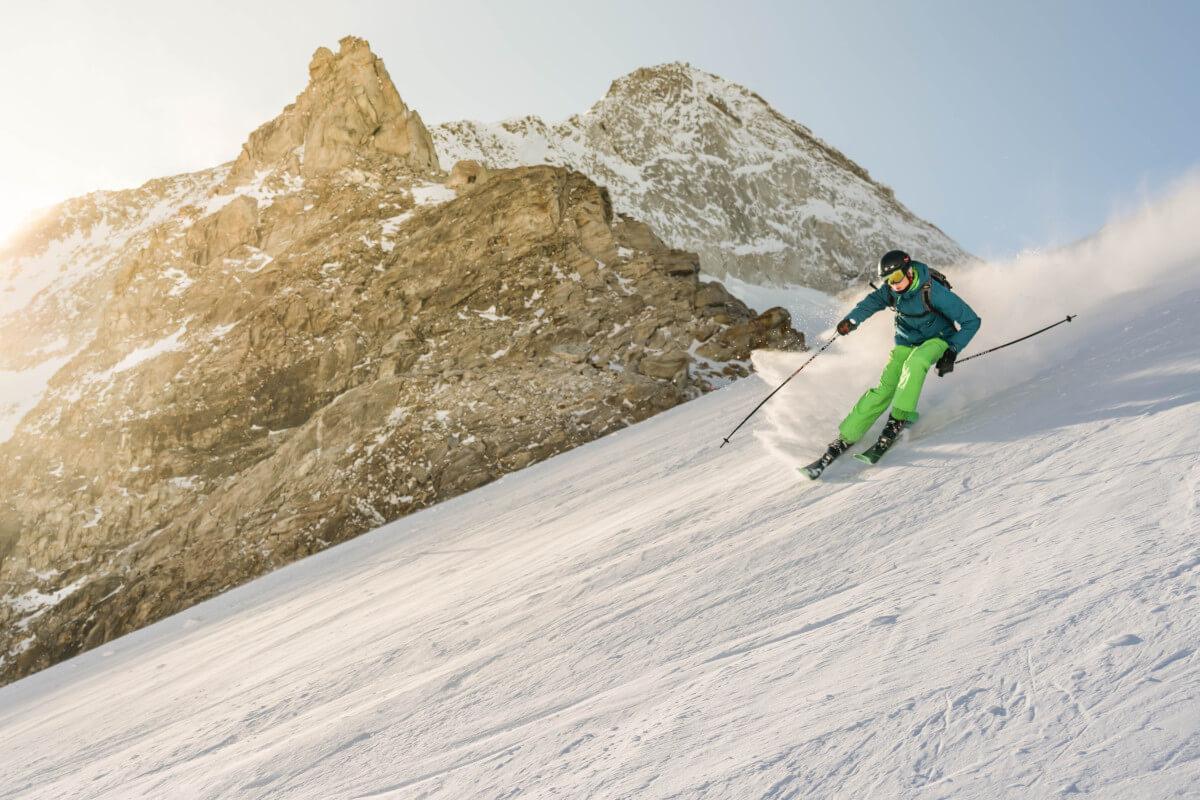 Jeżdżenie na nartach w górach